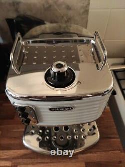 DELONGHI Scultura ECZ351W Espresso/Cappuccino Coffee Machine White
